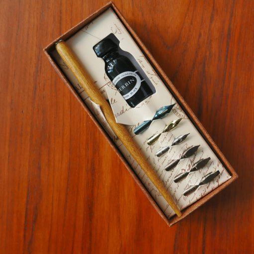 kalligrafisæt med pennespidser